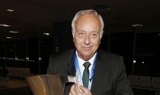 El cardiólogo y médico Diego Montañés se jubila tras 40 años en el Unicaja